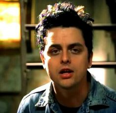 Waiting music video❤ Billie had little dreads in his hair during this vid:)