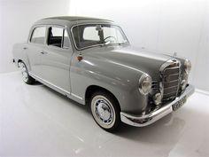 Merk: Mercedes Benz Type: 180c Bouwjaar: 30/06/1962 Motor: 1987cc Chassisnummer: 12001010036269 Afgelezen tellerstand: 87.750 Kilometer Kenteken: 67-BE-98 APK: 12-10-2018  Zeer mooie en technisch goede Mercedes Benz 180c met zeer gewild Webasto schuifdak en originele Becker radio!  De 180c Ponton (W120) is een vierdeurs sedan van Mercedes-Benz die tussen 1953 en 1962 geproduceerd is, door het ontwerp werd de W120 ook wel ''bolhoed'' genoemd. Ruim 118.000 exemplaren van de W120 ''ponton''…