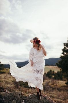 COLORADO ENGAGEMENT PHOTOS Flower Crown: Woven Floral Design PHOTOGRAPHY: Cassie Rosch