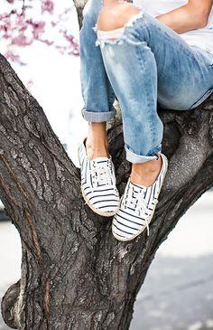 ce9522d87b5 DISTRESSED SLIM BOYFRIEND JEANS | Hello Fashion Μοντέρνα Παπούτσια,  Γυναικεία Μόδα, Espadrilles, Στυλ