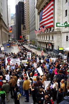 New Yorkers Protest the US$850 BILLION (US$3 TRILLION) Wall Street BAILOUT: Wall Street, NYC - September 25, 2008    Phototgrapher: a. golden, eyewash design - c. 2008.    Friends,    The richest 400 Americans -- that's right, just four-hundred people -- o
