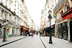 How to spend Sunday in Paris and live like a local!
