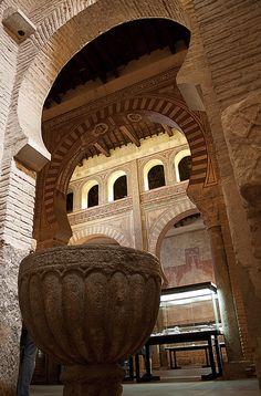 Toledo. Museo de los Concilios -Iglesia de San Roman... Foto de *Inge Ancient Architecture, Art And Architecture, Places Around The World, Around The Worlds, Toledo Spain, Picture Places, Spain And Portugal, Spain Travel, Countries Of The World