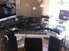 that's an awesome setup! If only i were rich.
