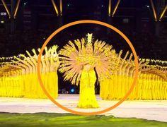 Une troupe de 60 malentendants fait une danse hypnotique #malentendant #sourd #dance