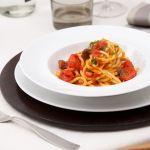 Dai un'occhiata alla breve ricetta degli spaghetti alla chitarra ai 4 pomodori di Sale&Pepe; scoprirai quanto sono versatili e veloci da preparare.