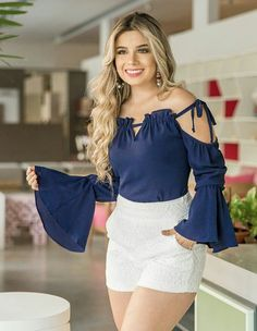 Off shoulder ruffle sleeve top with white mini skirt Chic Outfits, Dress Outfits, Summer Outfits, Blouse Styles, Blouse Designs, 15 Dresses, Fashion Dresses, Vetement Fashion, Frack