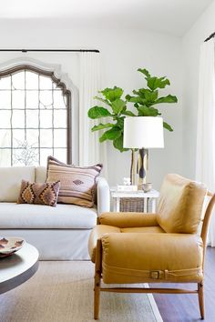 This 1930s Spanish bungalow in the Hollywood Hills is transformed into a beautiful abode by interior designer, Katie Hodges for a growing...