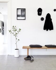 'Berlin Swim' print in the beautiful hallway of - Flur Hallway Inspiration, Interior Inspiration, Hallway Decorating, Entryway Decor, Decorating Ideas, Decoration Hall, Halls, Entry Hallway, House Entrance