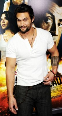 I wanna do bad things to you. Jason Momoa//Kahl Drogo in Game of Thrones.