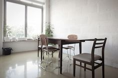 minimalist dining