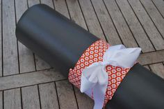 Yoga bow – orange with with flowers