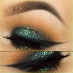 Emerald Glitter Eye Makeup