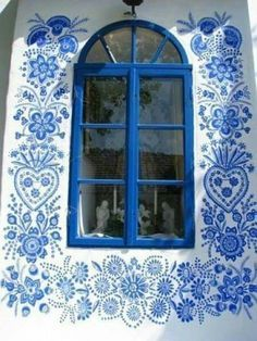 ♧blissfully blue and white hand painted design♧ ~ Czech Streets, Street Artists, House Painting, Woman Painting, Windows And Doors, Surface Design, Art Gallery, Old Things, Blue And White