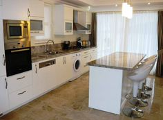 Large Kitchen Tables and Chairs With White Cabinets