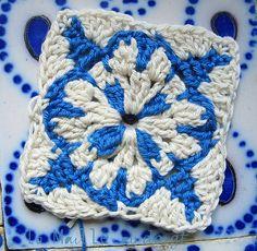 Ravelry: Agueda Square, Agueda Potholder, Crochet Azulejos pattern by Cythère pour La Maille au doigt
