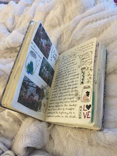 florallpeach: my heart hurts bc I& almost finished with my art journal and it& literally been a part of me for months and wow I just love it :& Journal Diary, Photo Journal, My Journal, Art Journal Pages, Journal Ideas Smash Book, Journal Notebook, Kunstjournal Inspiration, Arte Sketchbook, Journal Aesthetic