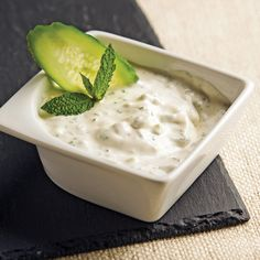 Crème de Carottes Healthy Eating Tips, Healthy Nutrition, Sauce Pour Fondue, Fondue Raclette, Bechamel, Dressing, Vegetable Drinks, Pesto, Finger Foods