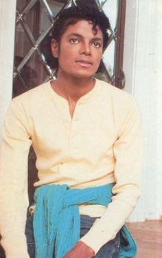 Started when we were young boy you were my mine,my boo. Photos Of Michael Jackson, Michael Jackson Rare, Janet Jackson, Bad Michael, Beautiful Girl Image, Beautiful Men, Berry Gordy, King Of Music, Idole