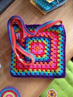 Transcendent Crochet a Solid Granny Square Ideas. Inconceivable Crochet a Solid Granny Square Ideas. Diy Crochet Bag, Crochet Purse Patterns, Crochet Crafts, Knitting Patterns, Easy Knitting, Free Crochet, Afghan Patterns, Square Patterns, Tote Pattern