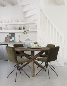 - Dining Chairs Cushions Shabby Chic - Patio Chairs DIY - Big Chairs For Bedroom - Dining Chairs Videos Makeover Modern Black Dining Chairs, Contemporary Dining Chairs, Dining Table, Dining Chair Cushions, Patio Chairs, Beach Chairs, Office Chairs, Vintage Metal Chairs, Shabby Chic Patio