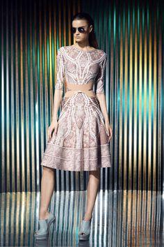 Sfilata Hervé Léger by Max Azria New York - Pre-collezioni Primavera Estate 2014 - Vogue