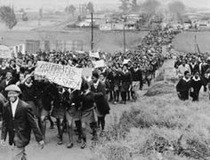 Today in history: Soweto Youth Uprising History Online, Today In History, African History, Women In History, 40 Years Ago Today, Apartheid, History Projects, Freedom Fighters, Movie Photo