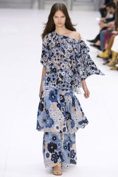 Chloé Spring/Summer 2017 Ready-To-Wear Collection | British Vogue