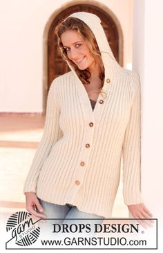 "Knitted DROPS jacket with pattern and raglan sleeve in ""Classic Alpaca"". Size S - XXXL."