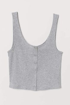 Short tank top in ribbed jersey with metal snap fasteners at front. Crop Top Outfits, Summer Outfits, Cute Outfits, Cute Tank Tops, Summer Tank Tops, Grey Tank Top, Cropped Tank Top, Grey Crop Top, Plus Size Blog