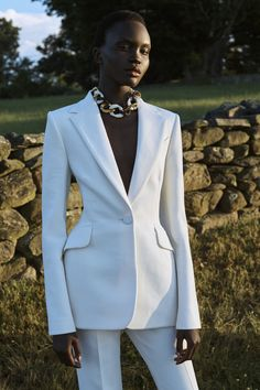 Carolina Herrera Resort 2021 Collection - Vogue Fashion Week, Fashion 2020, Daily Fashion, Runway Fashion, Fashion Show, Fashion Outfits, Womens Fashion, Fashion Trends, Cruise Fashion