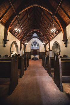 Free Small Chapel Interior Image: Stunning Photography