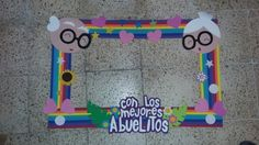 Pothobooth abuelitos School Board Decoration, Grandmother's Day, Grandparents Day Crafts, Classroom Board, Preschool, Parenting, Frame, Stuff Stuff, Educational Crafts
