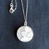 """Put a piece of your wedding gown into a necklace :amazing idea"""" data-componentType=""""MODAL_PIN"""