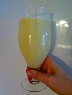 White Wine, Wine Glass, Smoothies, Alcoholic Drinks, Baking, Tableware, Food, Smoothie, Dinnerware