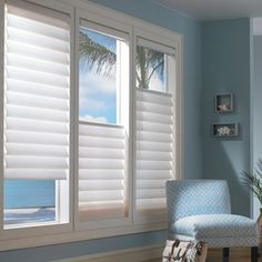 Raambekleding Brighten Up Your Home For Spring With The Chic Style Of Top Down Bottom Vignette Modern Roman Shades Hunter Douglas Window