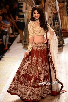 @Asli_Jacqueline Fernandez as #Showstopper for http://www.AnjuModi.com/ don't miss vintage buggy embriodery :)