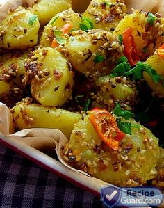 Spicy curry potatoes with sesame seed Click THIS LINK to check full preparation and recipe Curry Recipes, Side Dish Recipes, Vegetable Recipes, Vegetarian Recipes, Cooking Recipes, Healthy Recipes, Side Dishes, Indian Food Recipes, Asian Recipes