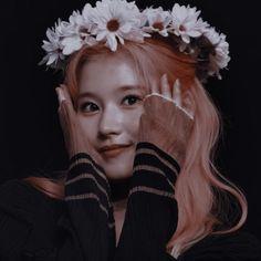 Kpop Aesthetic, Aesthetic Girl, Nayeon, Kpop Girl Groups, Kpop Girls, K Pop, Twice Album, Indie, Sana Momo