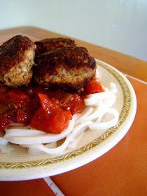 Julia's (Vegan) Kitchen: Spicy Pasta Sauce and Tempeh Meatballs