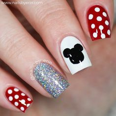 disney nail designs NailsByErin: Minnie and Mickey Mouse Nails Disney Acrylic Nails, Cute Acrylic Nails, Cute Nails, Pretty Nails, My Nails, Disney Nails Art, Simple Disney Nails, Disney World Nails, Disney Frozen Nails