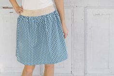 Rock ohne Schnittmuster nähen – gratis Anleitung Soon the spring starts and with it finally the time, in which one can wear light skirts again [. Sewing Patterns Free, Free Pattern, Mermaid Skirt, Couture, Midi Skirt, Skirts, Black, Women, Aaliyah