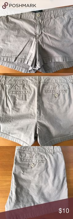 """Nine West shorts So cute and summer ready! Simple, classic, clean design. Side slit pockets, mid rise. No defects or blemishes. Waist 19"""" inseam 3 1/2"""". 97% cotton 3% spandex. Color didn't photograph well, it's more of a khaki mauve. Nine West Shorts"""