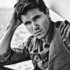 Robbie Amell Black And White