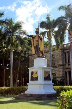 Statue of King Kamehameha and Iolani Palace, Honolulu, Hawaii, Oahu Oahu Vacation, Vacation Destinations, King Kamehameha, Aloha Hawaii, Honolulu Hawaii, Hawaiian Islands, Museums, Statues, Statue Of Liberty