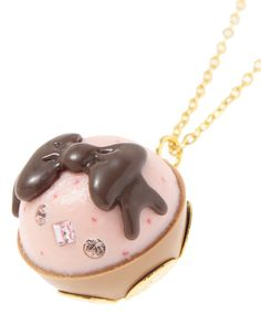Accessories appetizing Q-pot. Petit Sweet Strawberry Cake Necklace from Japan Cheap Fashion Jewelry, Fashion Jewellery Online, Patisserie Cake, Diy Accessories, Clay Jewelry, Jewelry Necklaces, Beauty And The Beast, Chocolate Cake, Birthday Candles