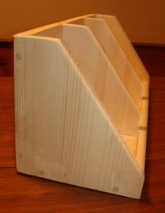 Pieced Pastimes: Primitive DIY Nesting Box