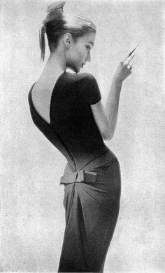 Imagen en la lente de Lillian Bassman (1956).