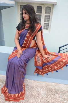 Buy Party wear Sarees Online with All Types Collections Like Designer Party Wear saree,Bollywood party wear saree,Silk Party wear saree,wedding party wear saree and More. Party Wear Sarees Online, Wedding Sarees Online, Party Sarees, Saree Wedding, Ethnic Sarees, Indian Sarees, Purple Saree, Designer Silk Sarees, Bollywood Party