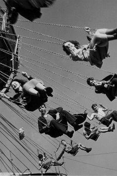 Photo: Wolfgang Suschitzky. Hampstead Heath (London) Fair, 1948.